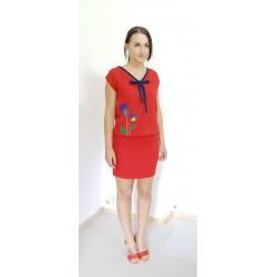 Iza Fabian, Rote Kleid mit...