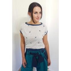 Iza Fabian, Damen Shirt mit Bambi und Streifen Muster. Weiss, Blau.