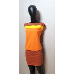 Kleid mit gestreiften Rock,...