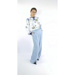 Blumige Bluse in Blau...
